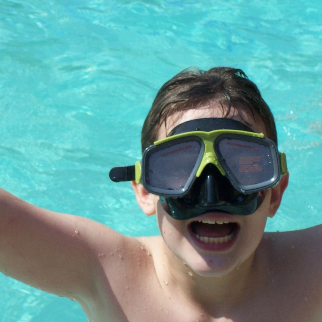 swimming-976384_1920.jpg